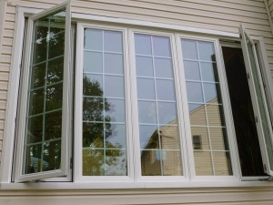 How Do Window Sizes Affect the Replacement Process?