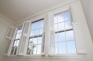 Comparing Single Hung and Double Hung Replacement Windows